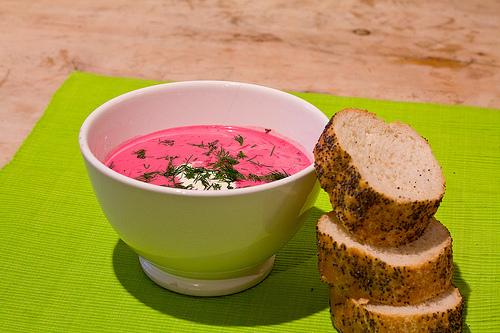 سوپ کفیر لبو و رازیانه یک عصرانه خاص برای مهمانان خاص